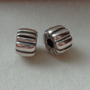 Authentic PANDORA lot of 2 RIBBED-CLIPS 790163